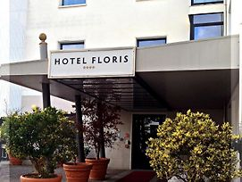 Floris photos Exterior