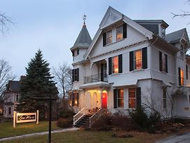 Lang House On Main Street Bed & Breakfast photos Exterior