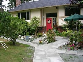 Airport Bed & Breakfast Victoria Bc photos Exterior