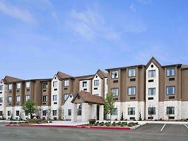 Microtel Inn & Suites By Wyndham Round Rock photos Exterior
