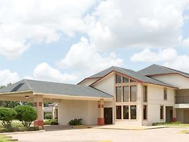 Super 8 By Wyndham Bossier City/Shreveport Area photos Exterior
