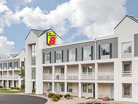 Super 8 By Wyndham Madison East photos Exterior