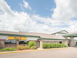 Super 8 By Wyndham Tomahawk photos Exterior
