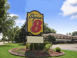 Super 8 By Wyndham Whitewater Wi photos Exterior