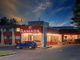 Ramada By Wyndham Pinewood Park Resort North Bay photos Exterior