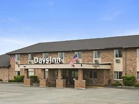 Days Inn By Wyndham Manistee photos Exterior