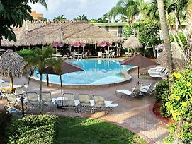 Gulfcoast Inn Naples photos Exterior