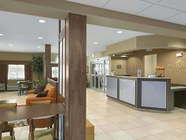 Microtel Inn & Suites By Wyndham Minot photos Exterior