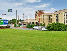 Holiday Inn Express Burlington photos Exterior