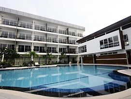 Bs Premier Airport Hotel photos Exterior