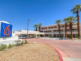 Motel 6 Palm Springs Downtown photos Exterior