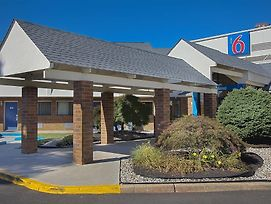 Motel 6 Piscataway photos Exterior