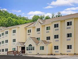 Microtel Inn & Suites By Wyndham Bryson City photos Exterior