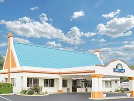 Days Inn By Wyndham Ruther Glen Kings Dominion Area photos Exterior