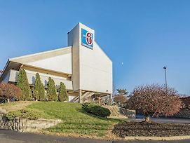 Motel 6 Cincinnati Central Norwood photos Exterior