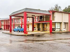Rodeway Inn & Suites Fort Rucker photos Exterior