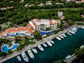 Aventuras Club Marina photos Exterior