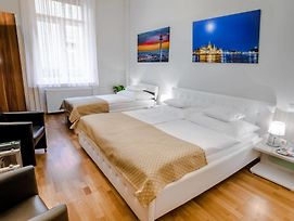 Anabelle Bed And Breakfast Budapest photos Exterior