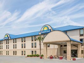 Days Inn By Wyndham Tifton photos Exterior
