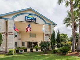 Days Inn By Wyndham San Antonio Southeast By At&T Center photos Exterior