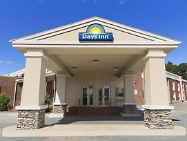 Days Inn & Conference Center By Wyndham Bridgewater photos Exterior