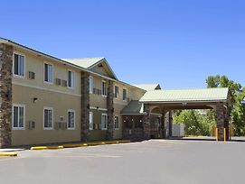 Days Inn & Suites By Wyndham Gunnison photos Exterior