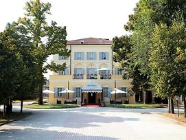 Rechigi Park Hotel photos Exterior