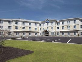 Days Inn & Suites By Wyndham Altoona photos Exterior