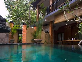 Karunia House Ubud photos Exterior