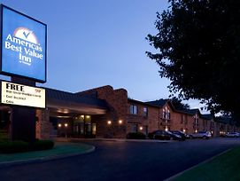 Americas Best Value Inn South Bend At Notre Dame photos Exterior