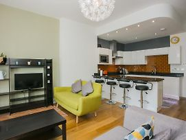 Three Bedroom Apartment In Willesden Green photos Exterior