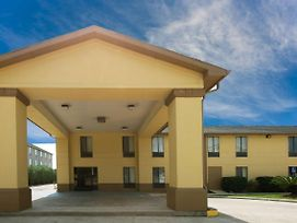 Super 8 By Wyndham Sulphur Lake Charles photos Exterior
