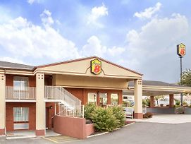 Super 8 By Wyndham Salina/Scenic Hills Area photos Exterior
