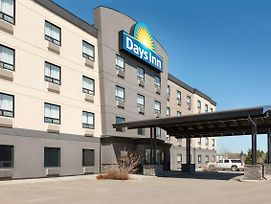 Days Inn By Wyndham Regina Airport West photos Exterior
