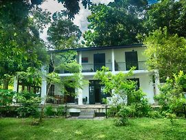 Villa By The Lake Bolgoda Moratuwa Colombo photos Exterior