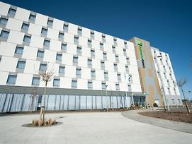 Holiday Inn Express Aberdeen Airport photos Exterior