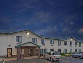 Super 8 By Wyndham Delavan Near Lake Geneva photos Exterior