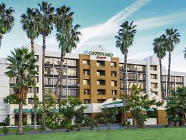 Courtyard By Marriott Riverside Ucr/Moreno Valley Area photos Exterior