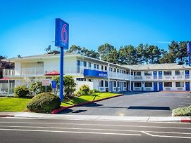 Motel 6 Arcata - Humboldt University photos Exterior