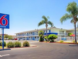 Motel 6 Tulare photos Exterior