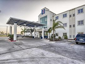Motel 6 Mission Tx photos Exterior
