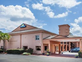 Days Inn By Wyndham Columbia photos Exterior