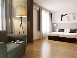 Mh Apartments Opera Rambla photos Room