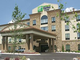 Holiday Inn Express Cleveland Northwest photos Exterior