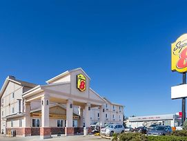 Super 8 By Wyndham Moose Jaw Sk photos Exterior