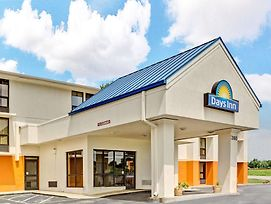 Days Inn By Wyndham Nashville At Opryland/Music Valley Dr photos Exterior