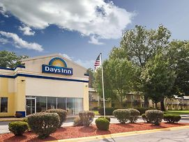 Days Inn By Wyndham Portage photos Exterior