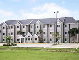 Microtel Inn & Suites By Wyndham Breaux Bridge photos Exterior