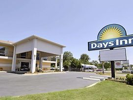 Days Inn By Wyndham Cheraw photos Exterior