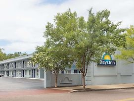 Days Inn By Wyndham Charleston Historic District photos Exterior